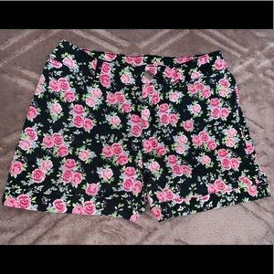 Cute Black with Roses Shorts Sz 4